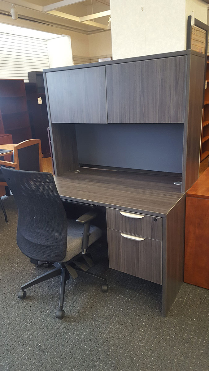 Office Source 48x30 Desk W Hutch Tackboard Box File