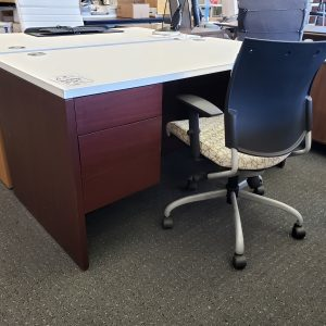 Hon 10500 Double Ped Desk With White Global Top